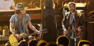 Johnny Depp y The Black Keys. MTV Movie Awards 2012