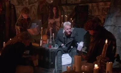 "Kiefer Sutherland en ""Jóvenes Ocultos"" (""The Lost Boys"", 1987)"