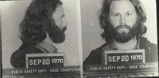 Foto de la ficha policial de Jim Morrison tras el escándalo de Miami (1969)