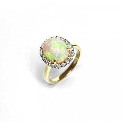 18ct Yellow Gold Opal & Diamond Ring