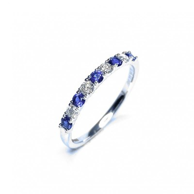 18ct White Gold Sapphire & Diamond Ring