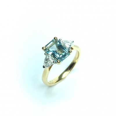 18ct Yellow Gold Aquamarine & Diamond