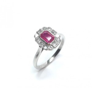 Image of second hand ruby & diamond ring in platinum