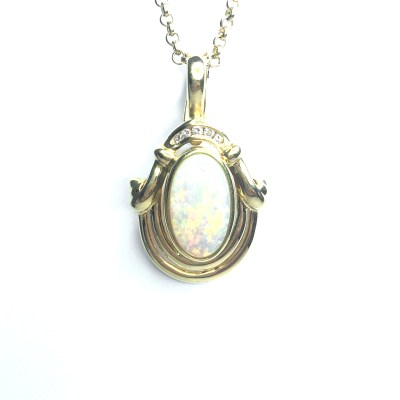 Second Hand 18ct Yellow Gold Opal & Diamond Pendant On 9ct Chain