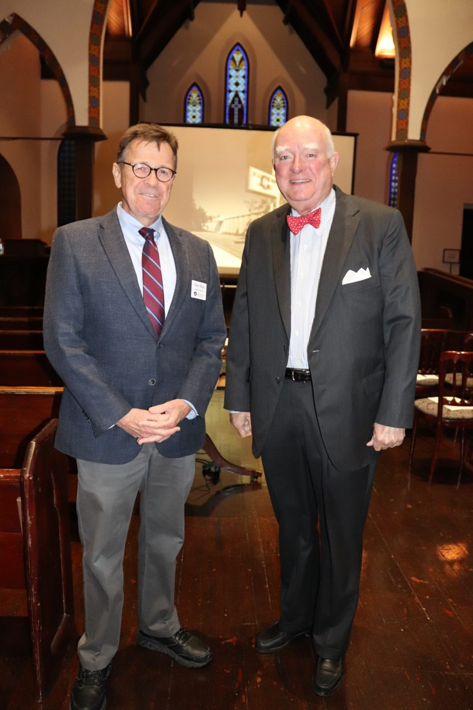 Dr. Alan Bliss, JHS executive director, with JF Bryan IV, guest speaker and former president of Independent Life Insurance
