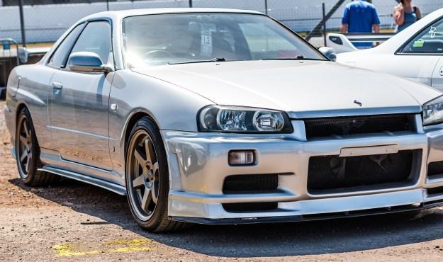 Cherry Nissan Skyline R34