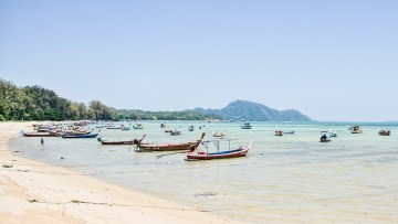 Rawai beach is not for swimming, too many boats!