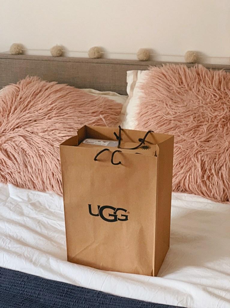 Jaye rockett ugg shopping bag bed pink pillows