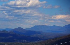 Dogwood Pointe is a three bedroom cabin in Pigeon Forge with an amazing view