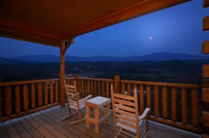 Paradise View is a one bedroom luxury cabin in Legacy Mountain Resort. It offers an amazing mountain view, arcade, and a convenient location to Pigeon Forge and the Parkway