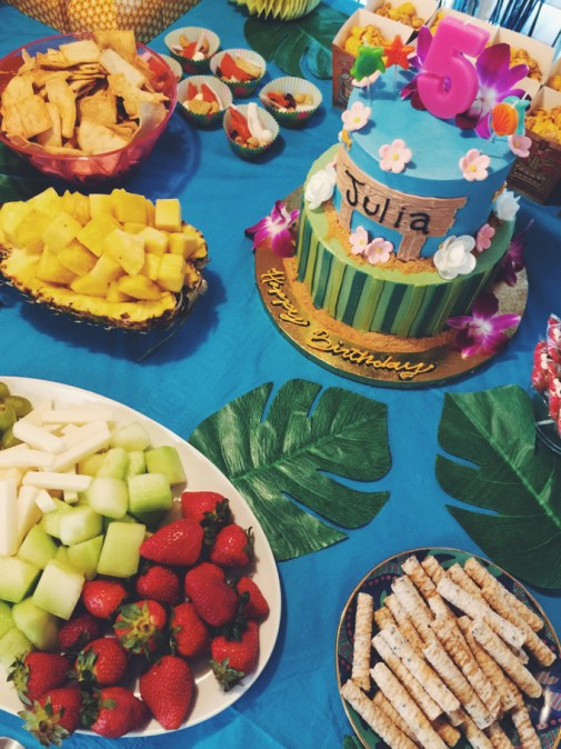 Moana birthday party ocean table spread