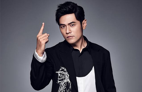 Jay Chou Violates Three Traffic Laws in One Night
