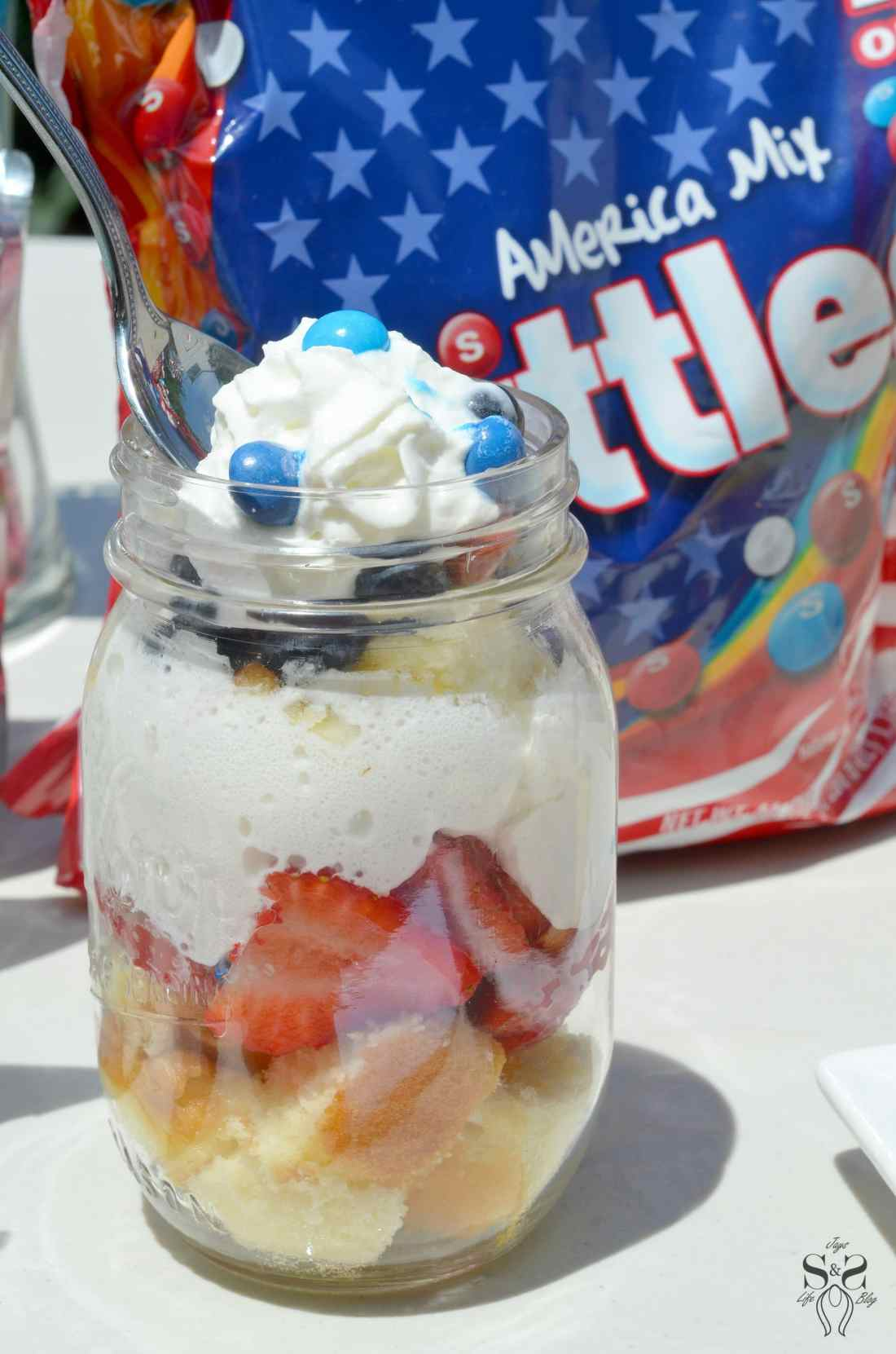 Skittles 4th of July Ideas table 4