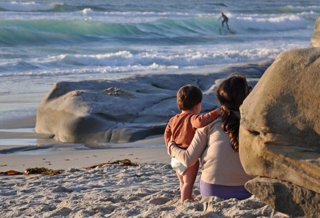 Mother_and_Child_Watching_Surfers_-Courtesy_Lisa_Field_SanDiego.org (3)