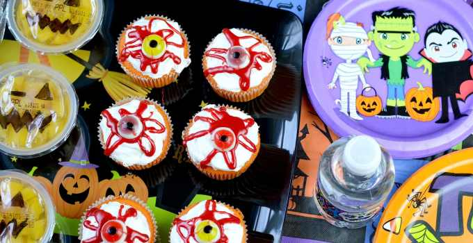 How To Throw An Easy DIY Halloween Party – Tips and Tricks