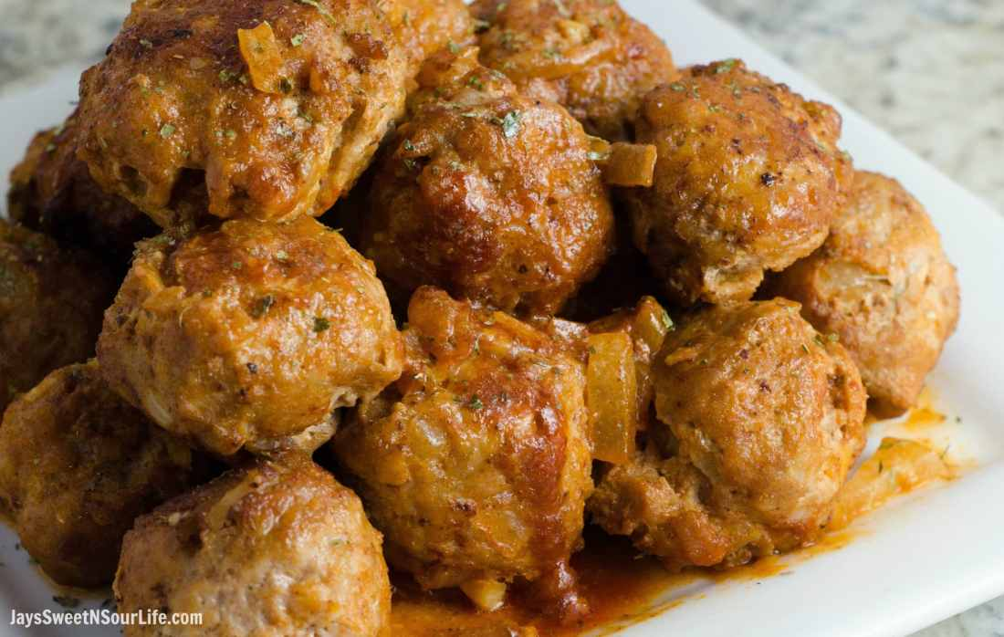 This sweet and sour turkey meatball is an easy 10 minute dinner option. Make ahead and freeze for future meals. Serve on a platter for your family to gobble up for dinner.