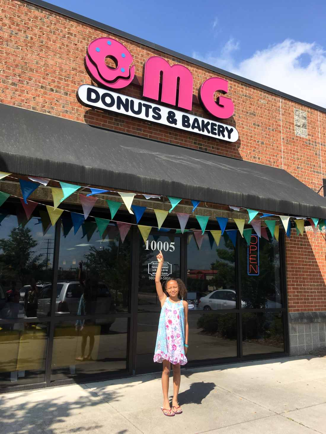 OMG Donuts and Bakery Entrance. OMG Donuts and Bakery Travel Review via - JaysSweetNSourLife.com