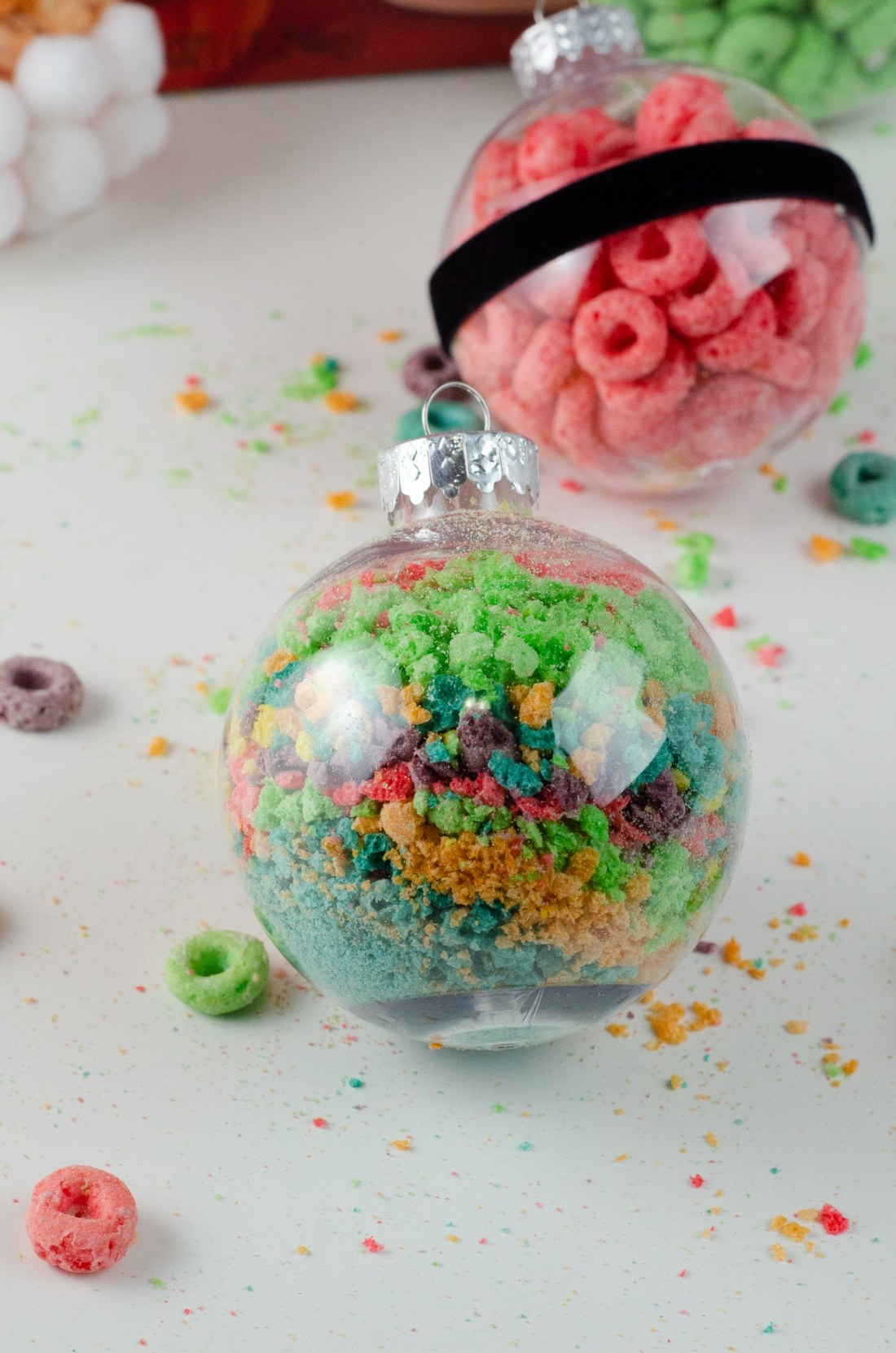 Christmas Ornament Ideas for Kids Using Cereal Abstract Santa Belly. It's time to let the kids be the boss for this new kid-friendly Christmas DIY. Rethink Cereal with somr my Christmas Ornament Ideas for Kids Using Cereal.