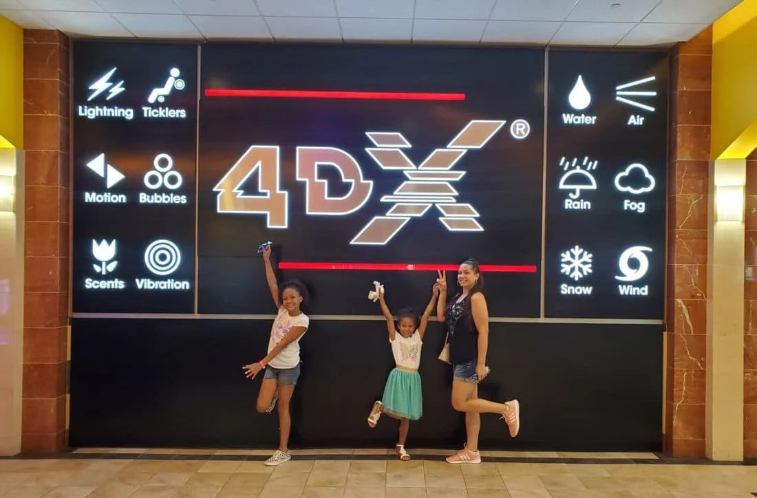 Aladdin Regal Cinema 4DX Jay and Girls. Read my full Disneys Live Action Remake of Aladdin Review on my blog. Disney's Aladdin 4DX Experience at Regal Cinemas - A Whole New World For The Younger Generation | Fangirl Review - Spoiler Alert!