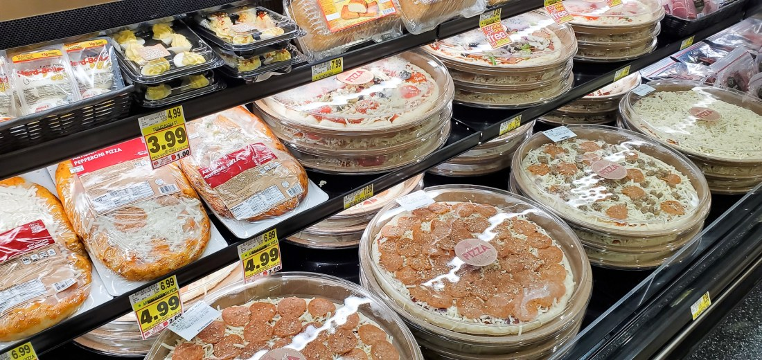 Harris Teeter Store-Made Pizza. If your family is as busy as mine, then the Fresh Foods Market is a great place for you to grab freshly made meals and snacks. There is something for the whole family in this section, everything from Store-made Pizza to hand-rolled sushi.