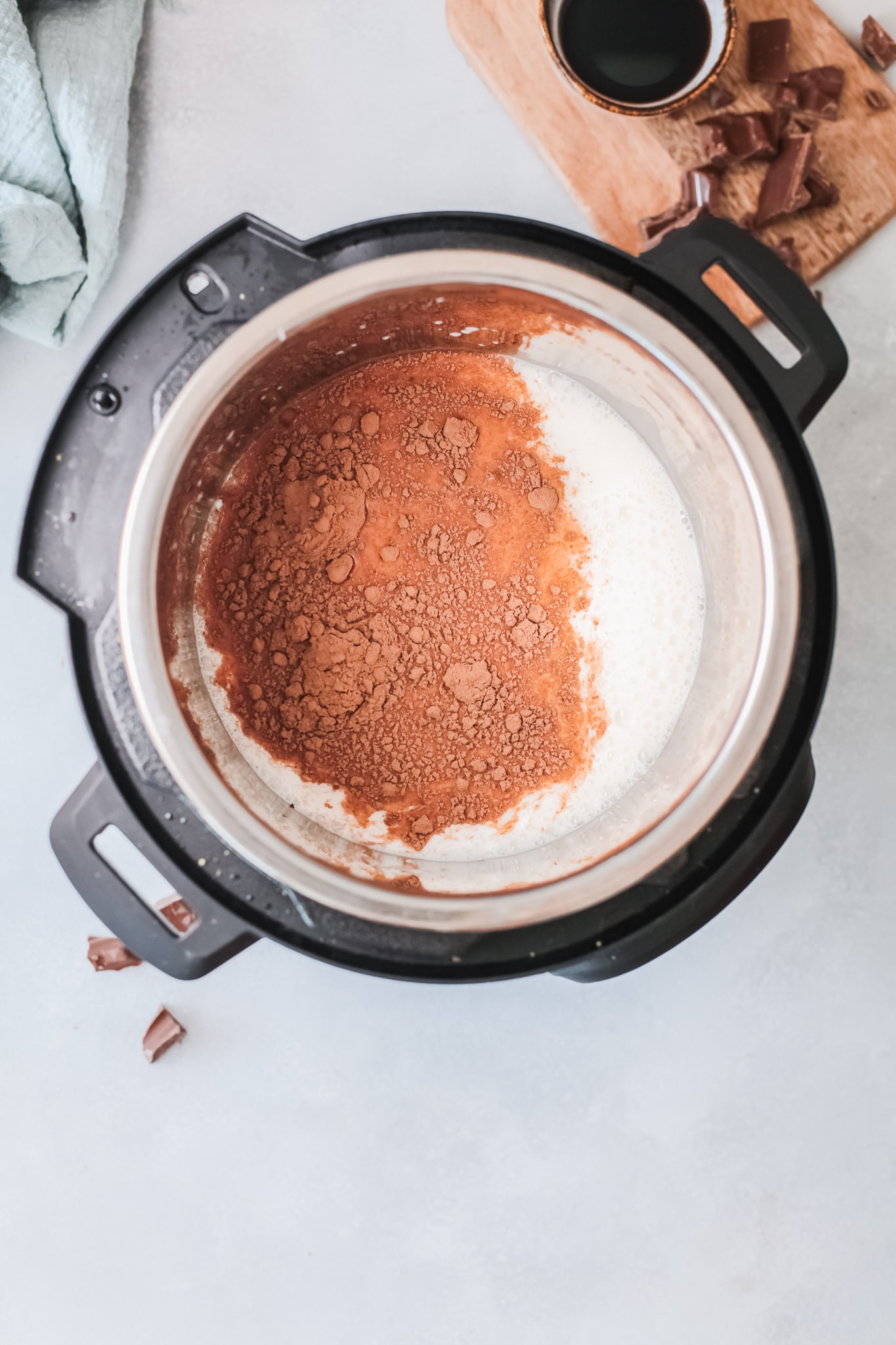 Instant Pot Salted Caramel Hot Chocolate Step 2. Silky smooth, creamy and decadent, this Instant Pot Salted Caramel Hot Chocolate is an instant family favorite. Made in either the Instant Pot or Slow Cooker this festive holiday drink is perfect for any occasion.