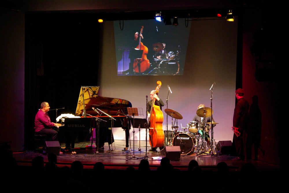 Gregory Gaynair Trio 'Live' / 'Again'