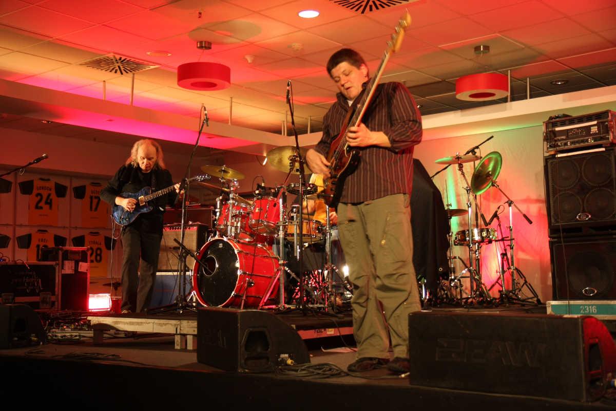 Jochen Schrumpf Electric Groove / Trio & Guests
