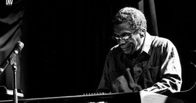 Herbie Hancock 獲頒由新英格蘭音樂學院 Jazzespresso 爵士雜誌