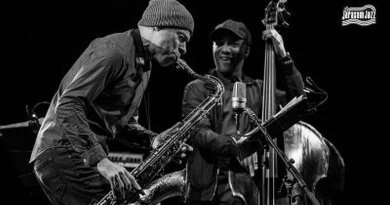 Joshua Redman Trio Jarasum Int'l Jazz 2017 YouTube Jazzespresso Revista Jazz