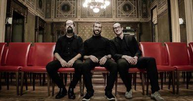 与三重奏乐团 Ubik Trio 的一杯意式爵士咖啡