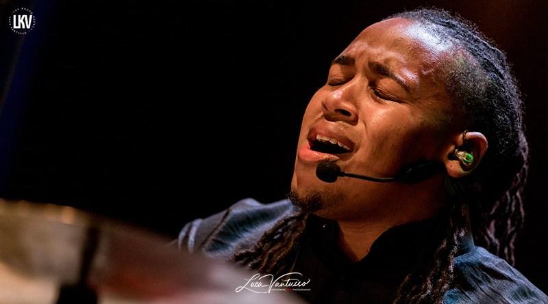 肯尼·巴伦(Jamison Ross)卢卡‧范图索(Luca Vantusso) 爵士音乐人