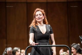 Cettina Donato dirige 8 concerti