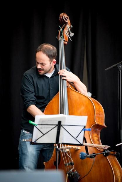 Besetzung: Axel Kühn (s,bcl), Andi Kissenbeck (p), Axel Kühn (b), Bastian Jütte (d). Foto: Petra Basche