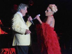 P1050337, Bennett & Gaga (dombr)