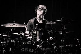 Tigran Hamasyan Trio - hier: Arthur Hnatek (Jazzfest Berlin 2015). Foto: Petra Basche