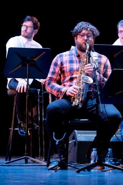 Keith Tippett Octet beim Jazzfest Berlin (hier: James Gardiner-Bateman. Foto: Petra Basche