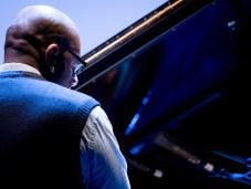 Miguel Zenón Quartet - hier: Louis Perdomo (Jazzfest Berlin 2015). Foto: Petra Basche