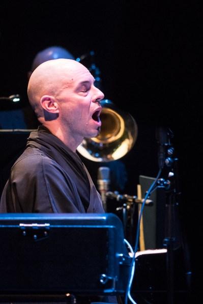 Nik Bärtsch's Ronin – hr-Bigband. Jazzfest Berlin 2016. Foto: Petra Basche