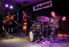 Paul Bollenback (g), Orlando Le Fleming (b), Jeff Tain Watts (dr), Unterfahrt München, Foto Ralf Dombrowski