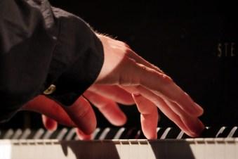 P1380498 Hände Wollny - Foto TJ Krebs jazzphotoagency@web.de