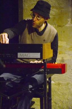 Jo Aldinger unterstützte das Trio. Foto: Michael Scheiner