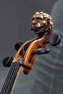 Bartolomeys Cellokopf David Tecchler von 1727. Foto: Thomas J. Krebs