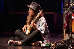 Kinga Głyk playing thr bass - Foto TJ Krebs jazzphotoagency@web.de