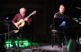 Ralph Towner, Pablo Held, Stadttheater, Salzburg, Jazz & The City, Foto Ralf Dombrowski