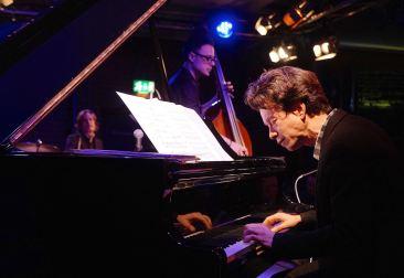 Das New Nordic Trio: Peter Rosendal (p), Chris Minh Doky (b) und Jonas Johansen (d) in der Unterfahrt München. Foto: Ralf Dombrowski