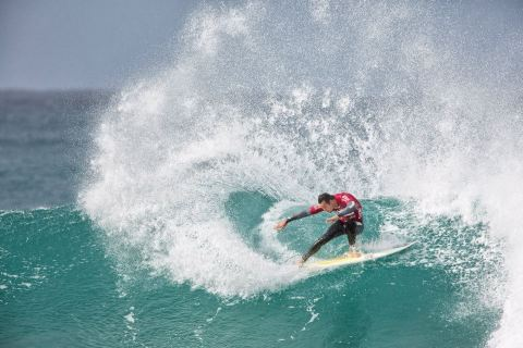 Jordy Smith laying down the law in Jeffreys Bay. Photo: Stan Blumberg