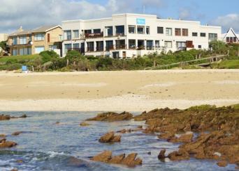 on the beach jeffreys bay, jeffreys bay accommodation