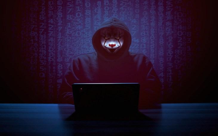 Hacker Mask Laptop Computer It  - ParallelVision / Pixabay
