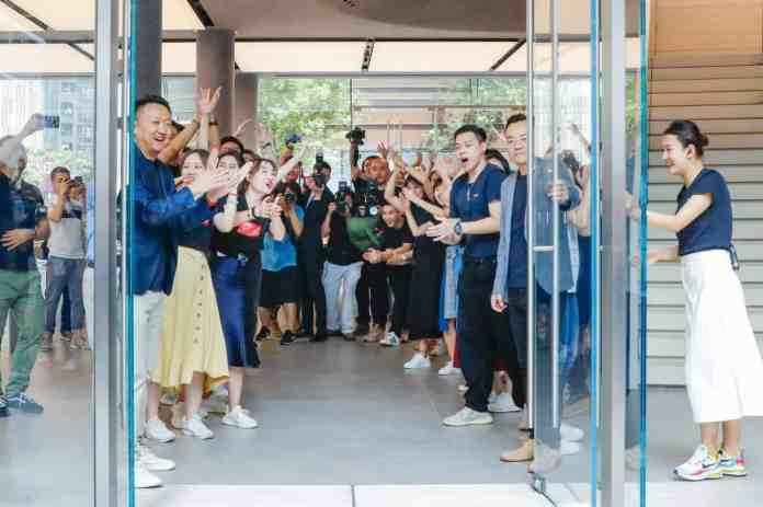 Huawei opens First Global Flagship Store with unrivaled technology and full 5G connectivity