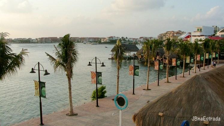 Mexico - Cancun - Shopping La Isla - Lagoa Nichupte